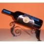 Három lábú fekvő bortartó
